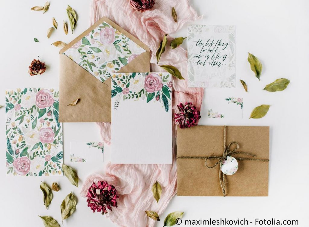 Die passenden Hochzeitskarten gestalten und drucken - #118762994   © maximleshkovich - Fotolia.com
